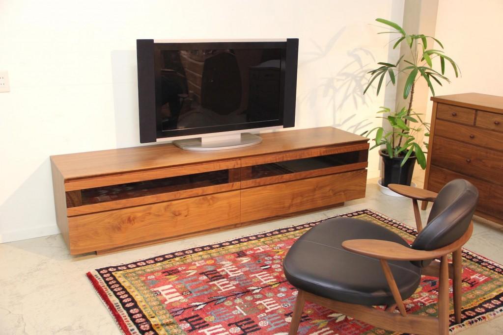 【TVボード(ソリッド2ドアタイプ)】 ウォールナット W2100 H504 D470(オーダー可)